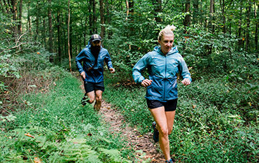 Two trailrunners